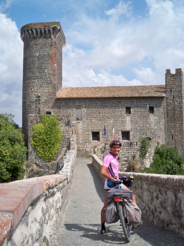 in-bici-al-castello1