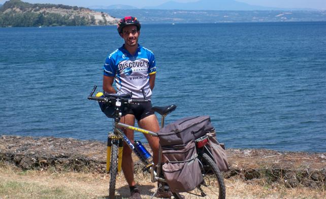 in-bici-al-lago